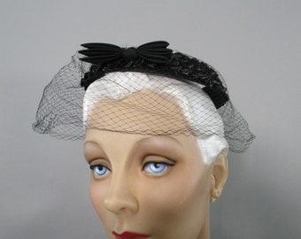 Black Fascinator Hat Birdcage Veil  Straw Halo Hat, 1950s Formal Headpiece,  Pin Up  Mini Hat