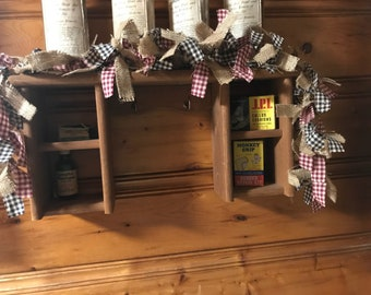 This gorgeous rag garland would look stunning in your primitive , counrty or farmouse home.