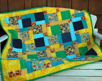 "Cotton Quilt with Cats and Sunflower Print - 40"" x 41"""