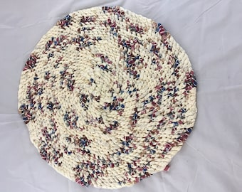 Round Rag Rug / Amish Knot / Toothbrush Rug / 24 inch Rug / Pet Mat Beige Blue Gold Red Brown