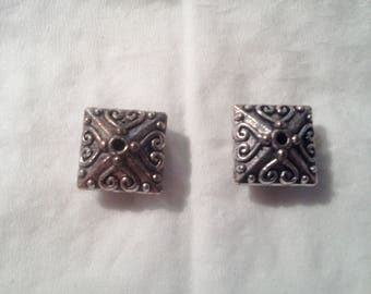 Set of 2 antique silver - 1 110 caps