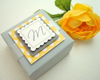 Personnalisé mariage boîtes, gris et jaune, lot de 10