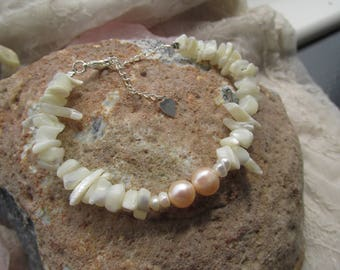 Freshwater pearls and shell bits bracelet