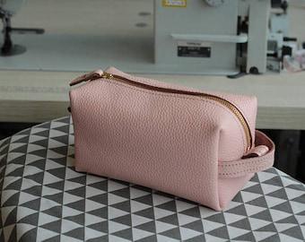 Pink cosmetic bag , Makeup bag, Leather cosmetic bag, Leather toiletry bag, large cosmetic bag Woman toiletry bag, Toiletry bag women,