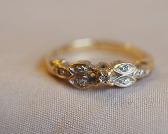 Playful and unique vintage 10K yellow and white gold Diamond-set ring