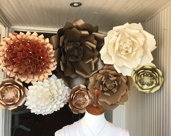 Neutral and metallic flowers
