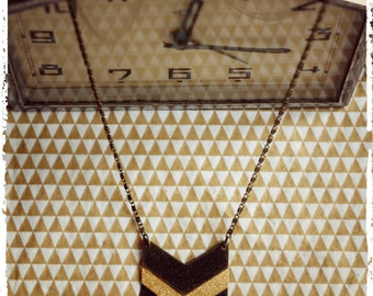 Geometric necklace with large Chevron