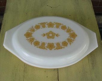Vintage Pyrex harvest gold divided dish