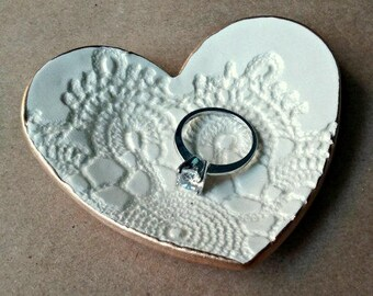 Ceramic Heart Ring Dish Off White edged in gold