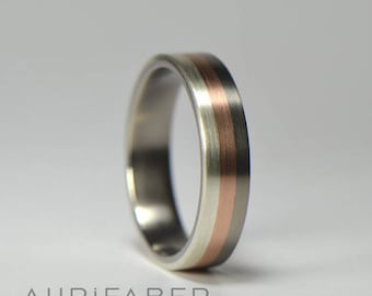 Titanium ring with silver and red gold stripes. Multi color band.  Tri color ring. Comfort fit titanium. Stripe band design. 5,5mm wide.