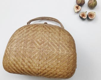 Woven Rounded Basket Purse