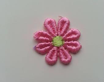 fleur en dentelle rose et verte      30mm