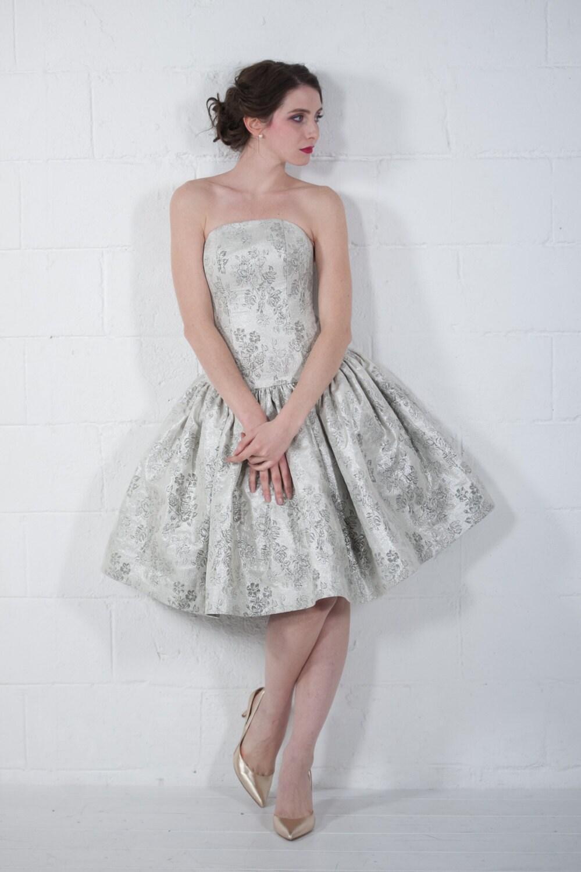 50er Jahre Stil silberne Hochzeitskleid Brautkleid Brokat
