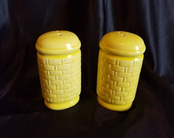 Vintage Yellow Basket Weave Ceramic Salt and Pepper Shakers /Japan