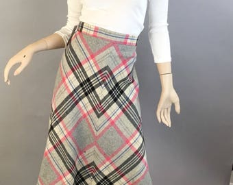 A-line 60s Skirt// Pink Plaid Knee Length Skirt// Vintage aplaid Skirt (F1)