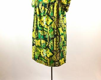 Vintage Muumuu - 1960s Hawaiian Muumuu - Island Fashion - Resort Wear - 1960s Muumuu - Vintage Polynesian Dress - Vintage Hawaiian Dress