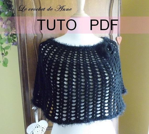Pdf Crochet Poncho Noir Ou Blanc Orné De Bordures Fourrures Et Dune Jolie Fleur Broche Facile à Réaliser En Francais