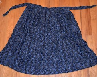 Hand sewn knee lenth apron