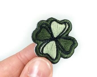 Lucky Clover broderie Patch - Patch autocollant de trèfle à quatre feuilles vert - Peel & Stick + fer-sur (P183)