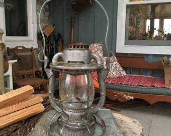 Vintage Dietz Vesta Railroad Kerosene Lantern Caged Railroad Light