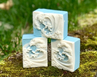 Peppermint Wave Himalayan Salt Detox Soap with Aloe Vera, Kaolin Clay and Peppermint Essential Oil - Spa Bar