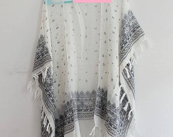 Kimono with Paisley and Tassels in White