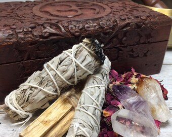 Large Meditation Altar Box | Smudging Sage, Palo Santo, Amethyst Point, Citrine Point, Crystal Point, Moroccan Rose Buds - Gift Box Set