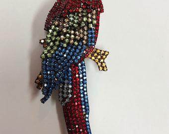 Vibrant Macaw Pin