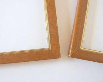 2 Wood Picture Frames, Vintage Frames, 6 x 8 Inches