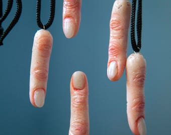 Hyperrealistic sculptured severed finger Anatomical jewelry Human anatomy Witch necklace Odditties curiosities Macabre Body part Weird stuff
