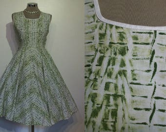 Fantastic 1950s novelty print crocodile hide cotton full skirted day dress bust 36""
