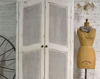 French Armoire Painted Cottage Chic Shabby French Romantic Armoire/ Wardrobe AM301