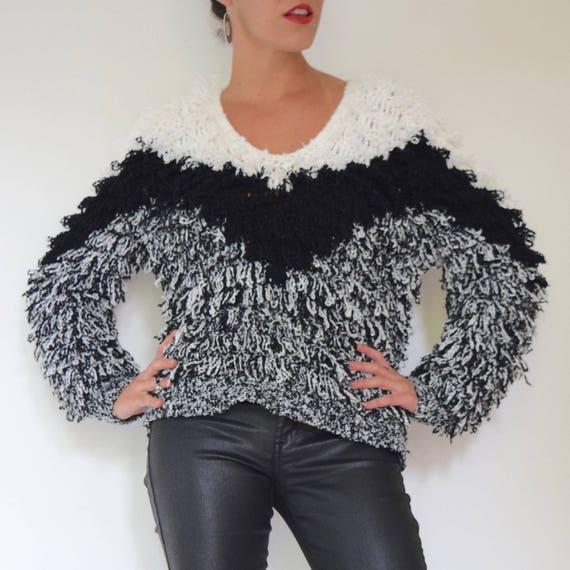 Vintage 80s 90s Black and White Chevron Striped Shag Rug V Neck Pullover Sweater (size small, medium)