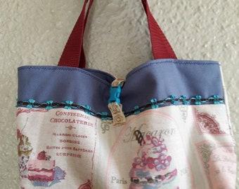 Periwinkle girl pastry bag