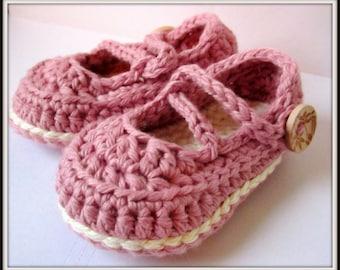Chaussons enfant, chaussons de bébé au Crochet, coton Mary Janes, chaussons pour bébé / / beaucoup de tailles et couleurs au choix / / cadeau de shower de bébé