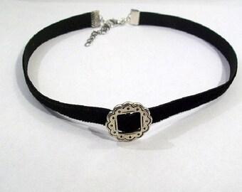 Flower and black velvet Choker necklace
