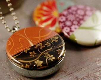 Modern Quilter Jewelry, Seamstress Locket Necklace, Holds a Picture, Quilt Necklace, Sewing, Sew, Patchwork, Magnetic Necklace, Polarity