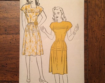 1940's FACTORY FOLDED Women's Drop Shoulder High or Square Neck Dress Vintage Sewing Pattern New York Pattern 917 Bust 31 RF0002