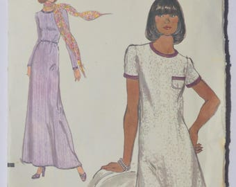 Sewing Pattern Vintage Vogue 9127 Knit Maxi Dress or Knee Length Dress