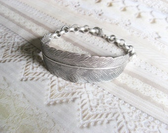 Silver Feather Bracelet - Silver Feather - Adjustable Bracelet by BirdzNbeez