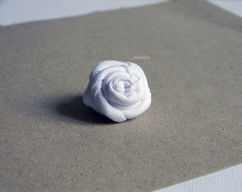 White lapel pin - Cotton boutonniere - Flower stick pin - Men buttonhole - Fabric boutonniere - Made in Italy - Wedding guests -