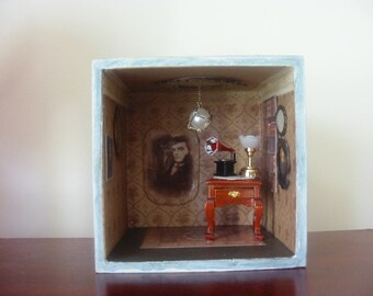 Roombox/Diorama: Quentin Collins from 1897.  Dark Shadows.  Gothic mini theatre. Miniature room.