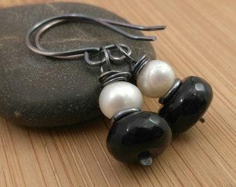 Black Gemstone White Freshwater Pearl Earrings. Oxidized Sterling Silver. Rustic Earrings. Agate Gemstones Black and White Earrings.