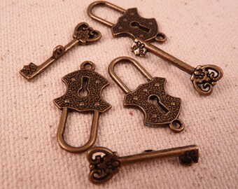 Brass Toggle Clasps Lock and Key Toggle Clasps 3 Antique Brass Toggle Clasps Brass Findings Brass Beads Antique Brass Beads Metal Beads