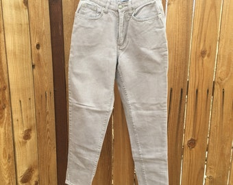 Vintage Limited Jeans. High waist Tapered Leg Size 8 Gray Jeans