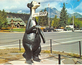 Canadian Rockies - Welcome to Jasper - vintage postcard         about 1970   (chrome, unused)