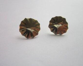 Vintage Scalloped Disc Stud Pierced Earrings