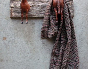 EQUINE COLLECTION heads or tails clothing / bridle rack in chestnut