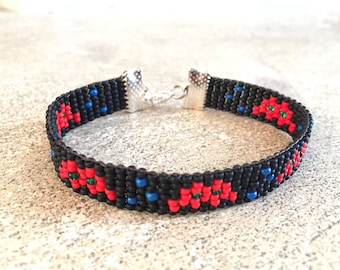 Space invader braided black and Red seed beads
