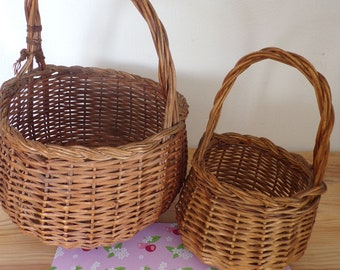 Vintage picnic basket wickers baskets